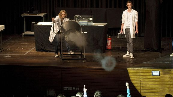 """Science Show"" in der Aula"